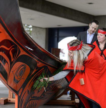 Bill Reid's Black Eagle Canoe Witnessing Ceremony | Flickr