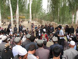 Filiming Uyghur Dastan Folk Narratives in Xoten small